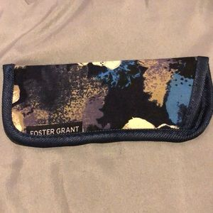 Foster Grant Glasses Case